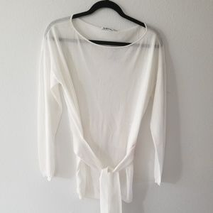 Elizabeth and James Tops - **Price drop**Elizabeth James white crepe  top xs
